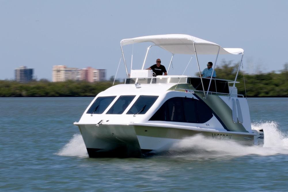 twinvee-power-catamarans-360-2.jpg