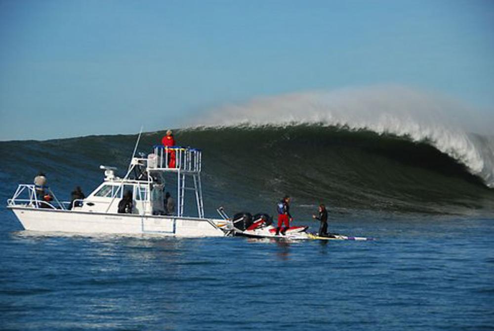 twinvee-power-catamarans-360-1.jpg