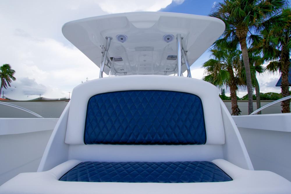 twinvee-power-catamarans-360-7.jpg