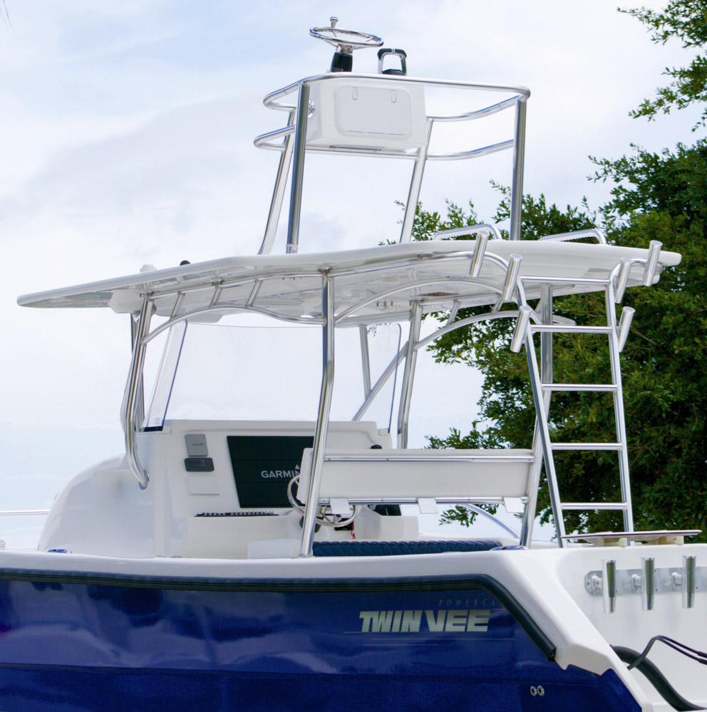 twinvee-power-catamarans-360-11.jpg