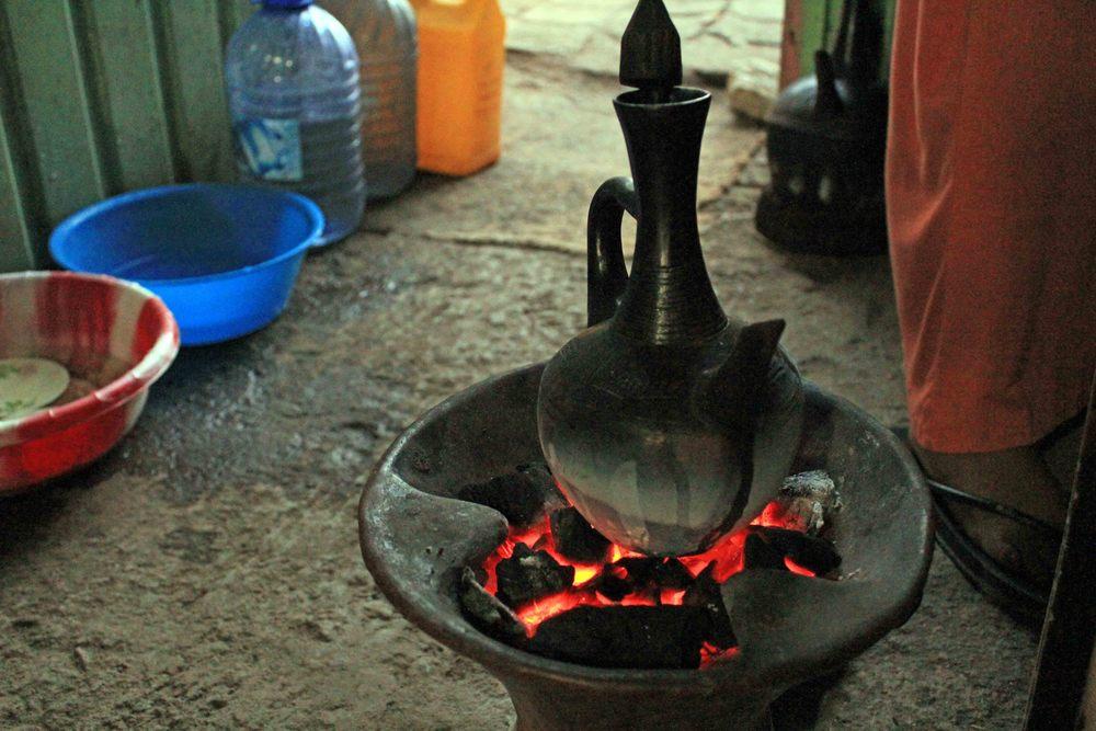Jebena over coals