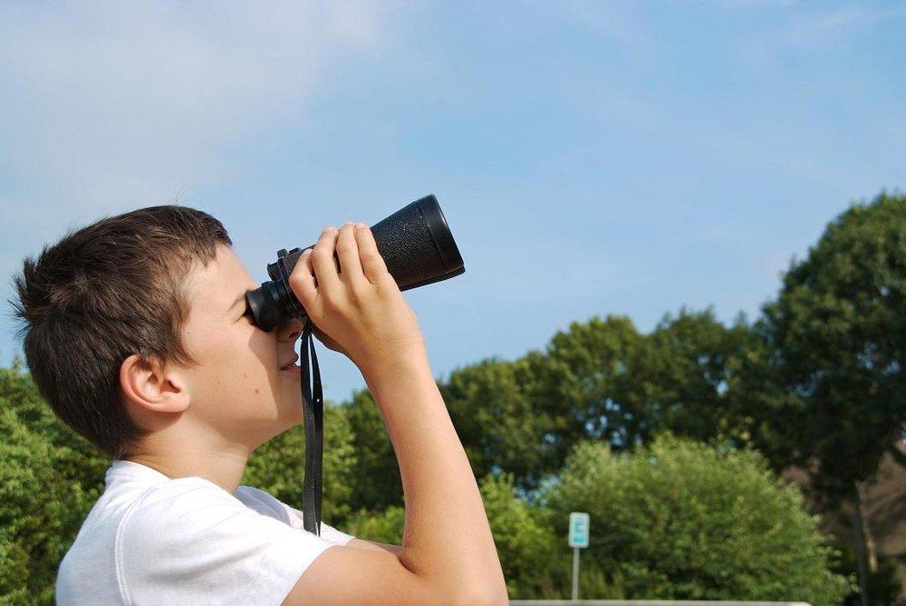 kid-binoculars.jpg