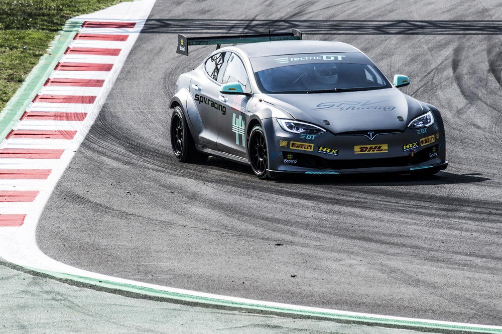 spv bcn car front track 2.jpg
