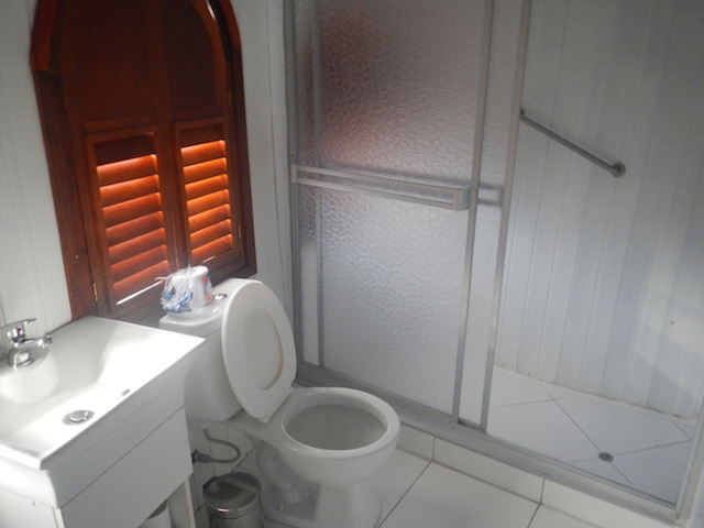 Amatista Private Bathroom