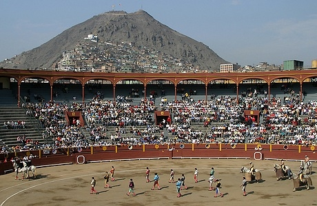 Rimac's Acho Bullring, with Cerro San Cristobal in the background.