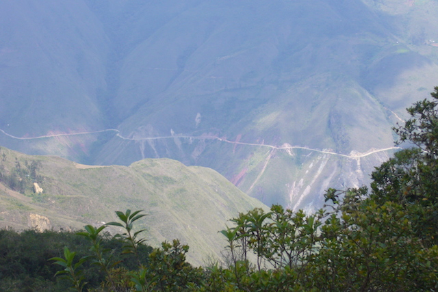 Kuelap, Chachapoyas - Road from Tingo