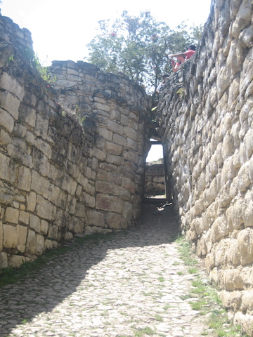 Kuelap, Chachapoyas - Narrow Entrance