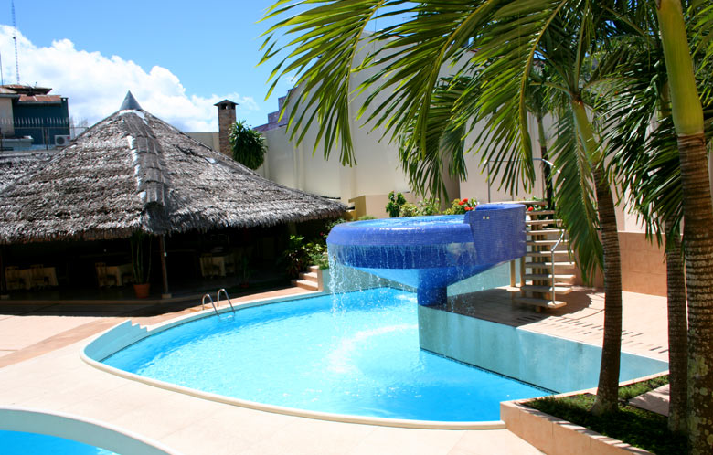 Swimming Pools in Iquitos - Hotel Dorado Plaza