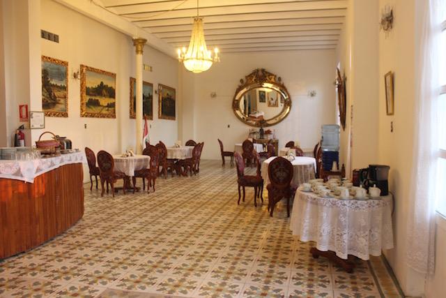 Walter x 3 - Hotel Casa Morey - Iquitos.jpg