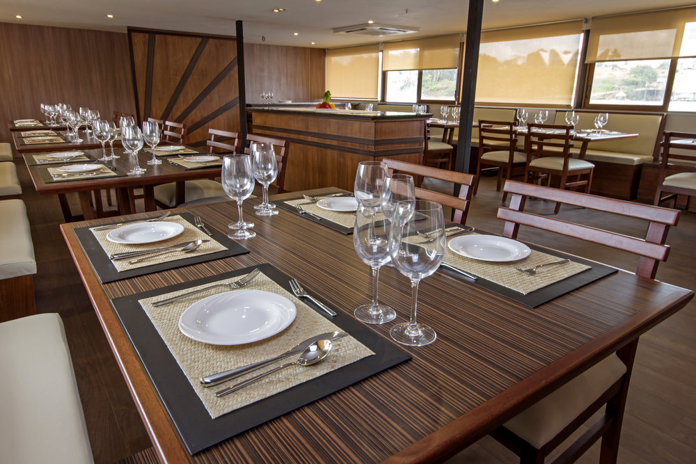 Anakonda - Dining Room