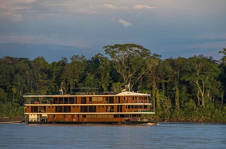 Anakonda Amazon Cruise - Side Profile in Napo River
