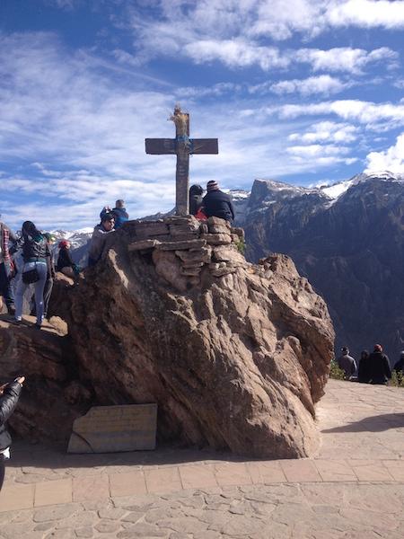 The cross at Cruz del Condor.
