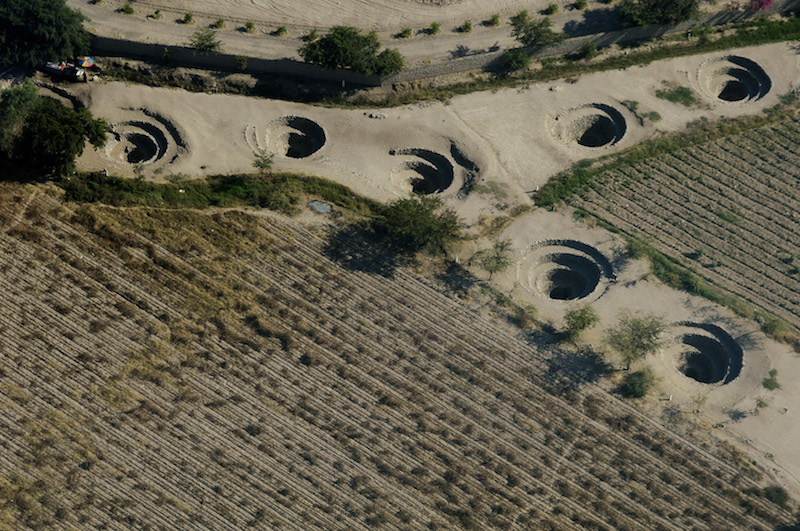 Paracas & Nazca Lines 3D - Cantalloc Aqueducts from above.jpg