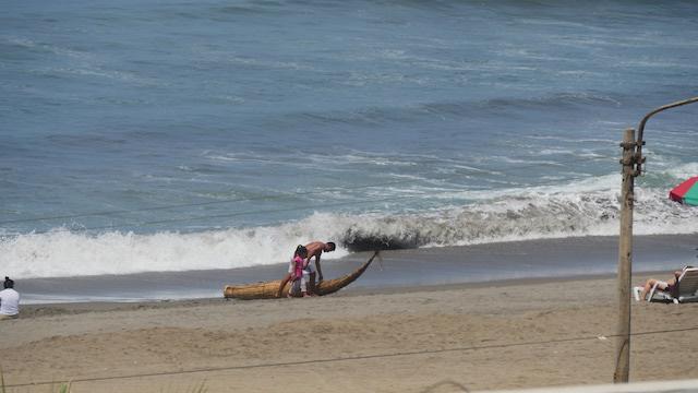 Trujillo - Chiclayo 4D - Huanchaco Beach.JPG