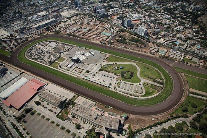 Horse Racing in Lima - Hipodromo de Monterrico7.jpg