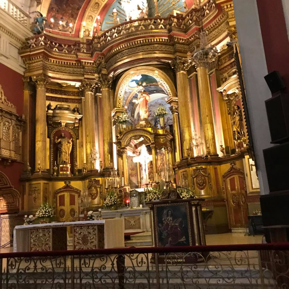 City tour in Lima, visiting churches and catacombs (but not allowed to takes pictures here).