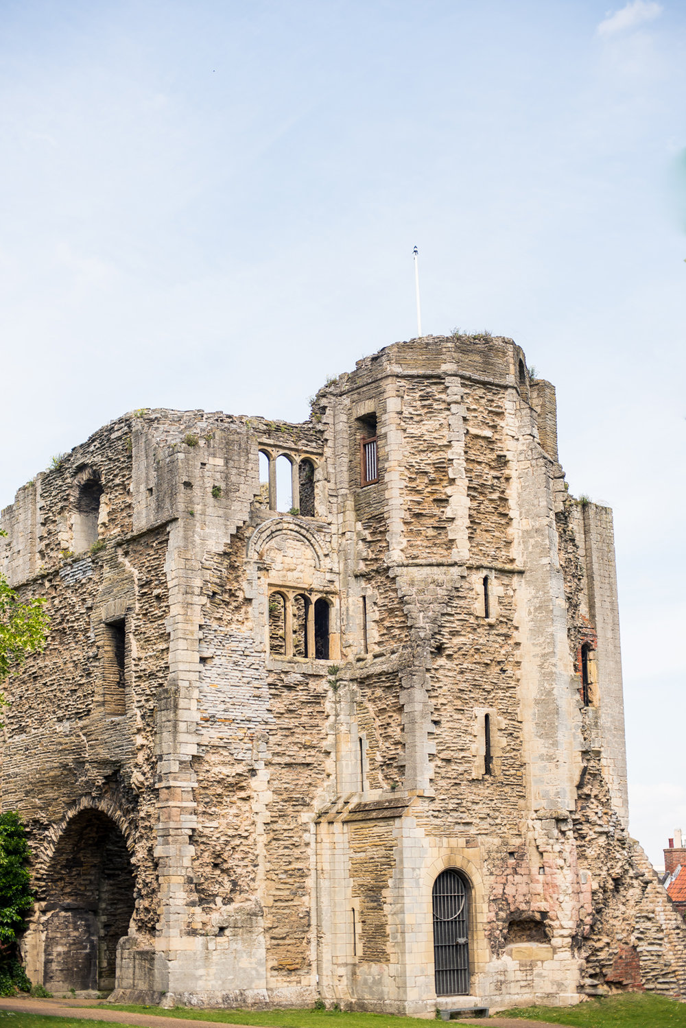 Newark castle  - Summer wedding