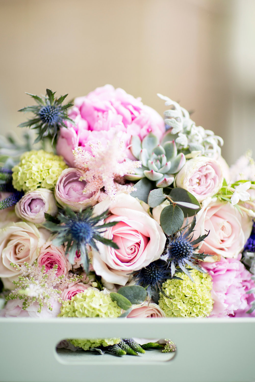 bridal flowers, roses, pastel,