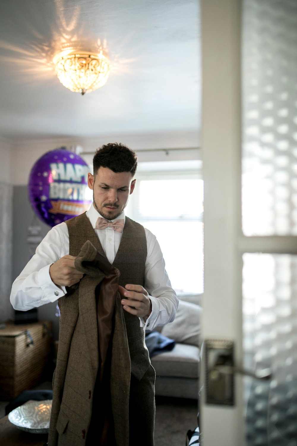 groom prep, morning, buckinghamshire wedding,