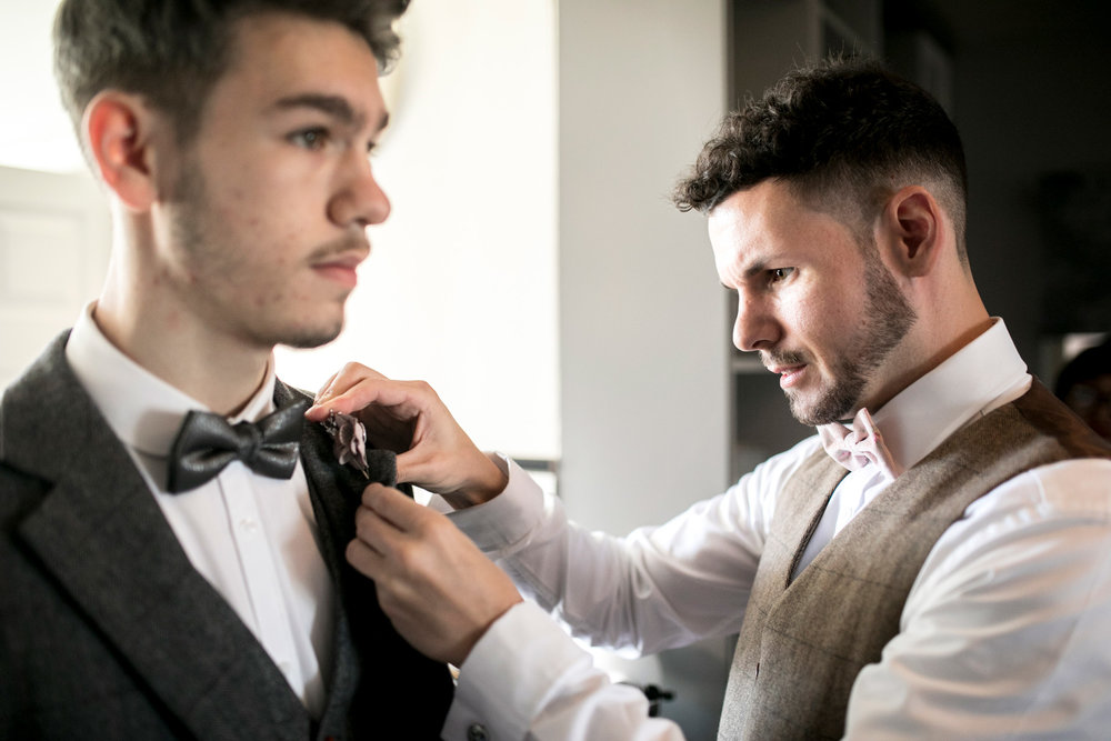 best man, groom, groomsmen, bow tie, luxe wedding, buckinghamshire wedding, bedfordshire wedding,