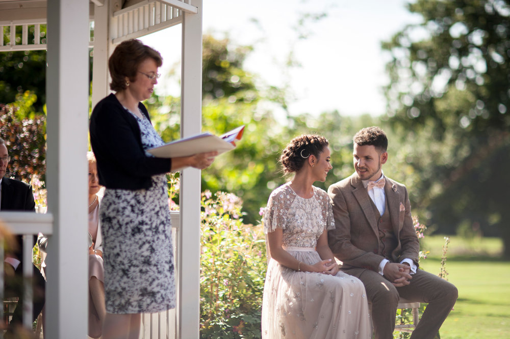 outside ceremony, Horwood house, couple, bride, groom, summer wedding, buckinghamshire wedding,