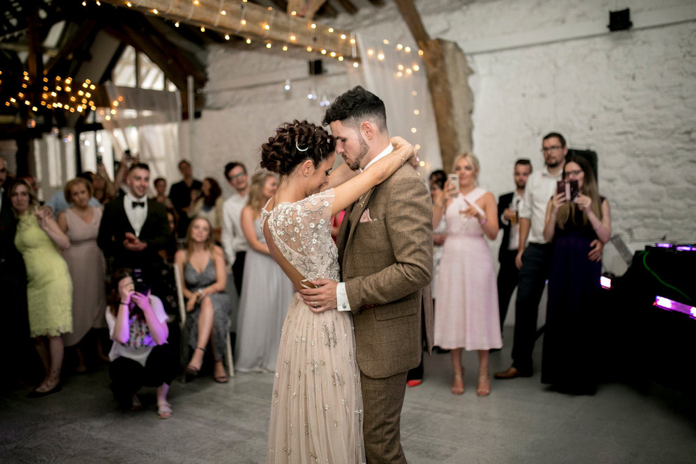 Couple, First Dance, Barn Wedding, Bedfordshire Wedding, Fairy Lights,