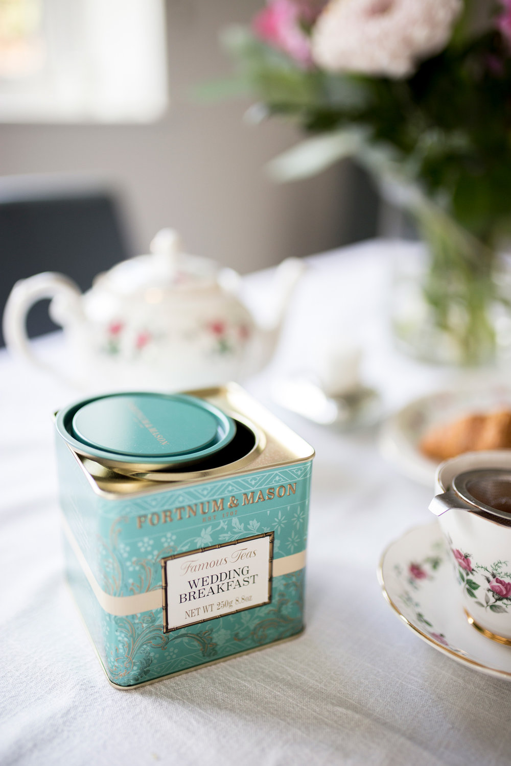 Wedding Day, Wedding Morning, Buckinghamshire Wedding, Tea, Fortnum and Mason,