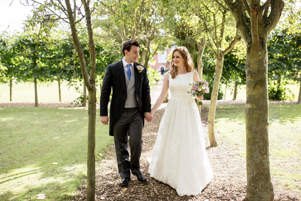 Wedding Couple, Home counties wedding, Summer Wedding,