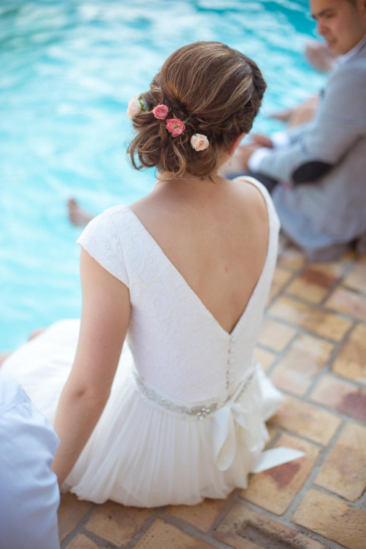 bride portrait in swimming pool