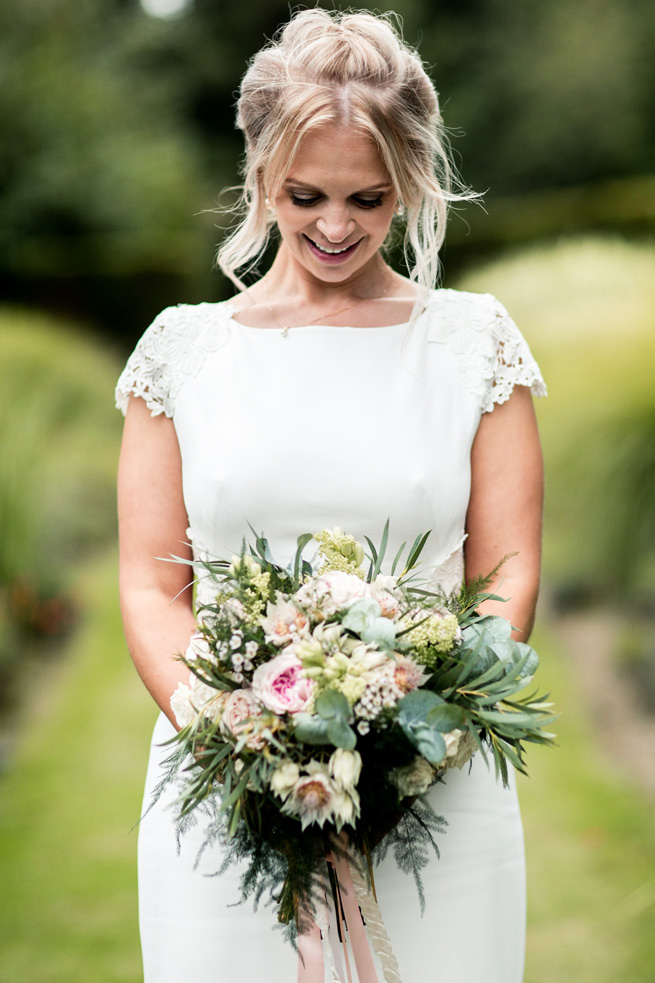 Bridal Portrait, wedding bouquet,