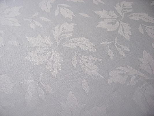 table_cloth_leafpattern.jpg