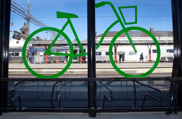 Cykelgarage - Stora glaspartier för trygghet