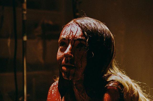 #bts A DEATH STORY CALLED GIRL 🖤💋 . . . . . . . .  #shortfilm #femaledirector #horror #35mm #blood #adeathstorycalledgirl