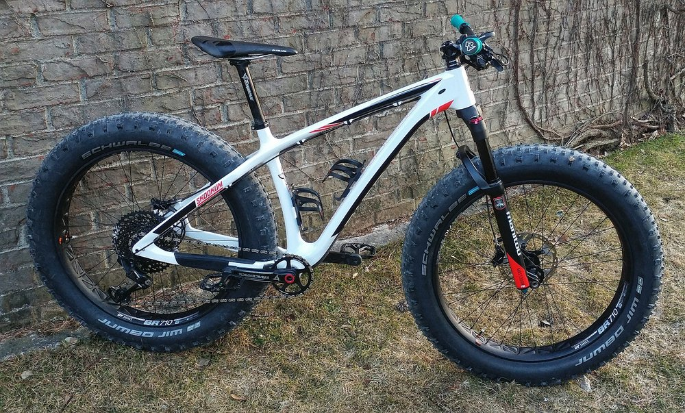 2018 CHINOOK WHITE FATBACK SKOOKUM - GX1 EAGLE 12spd, w/ Mastodon PRO suspension, DT SWISS BR710 Wheelset + RaceFace parts.  Race weight (including sealant and pedals) = 29 lbs