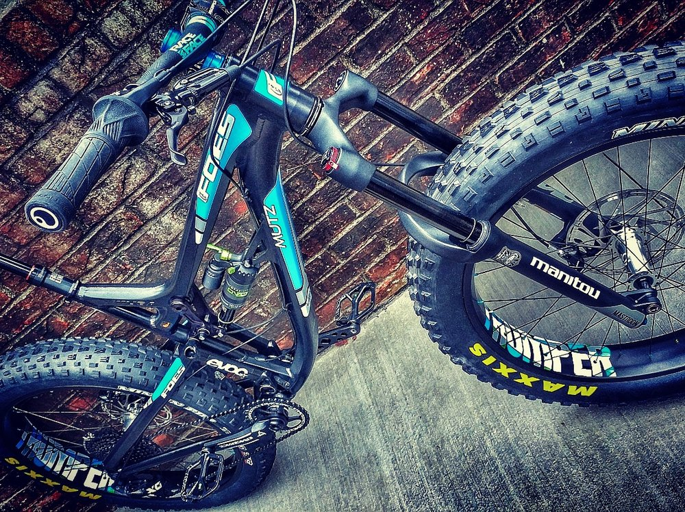 FOES MUTZ 150 - with THUMPER CARBON WHEELSETS and MAXXIS MINION EXO TR 4.8 tires (all tubeless ready)