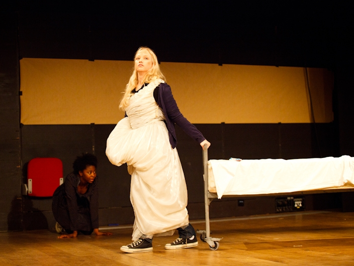 Rovimbo Govera and Rebecca Kiser / Roundhouse workshop, London, 2012