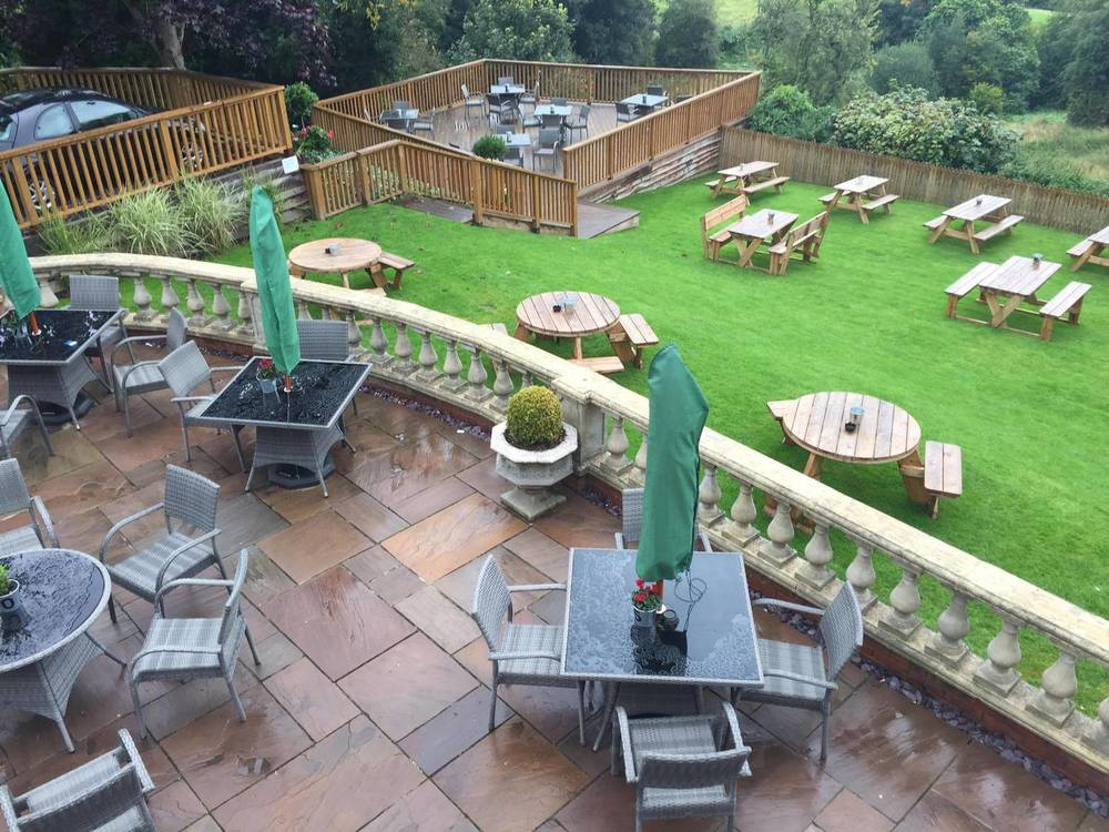 Hereford bed and breakfast decking and ballustrades.jpg