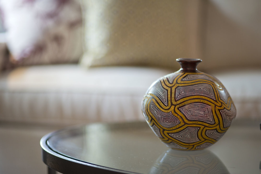 custom-interior-design-nicaragua-pottery-artisan-living-room-color-FA