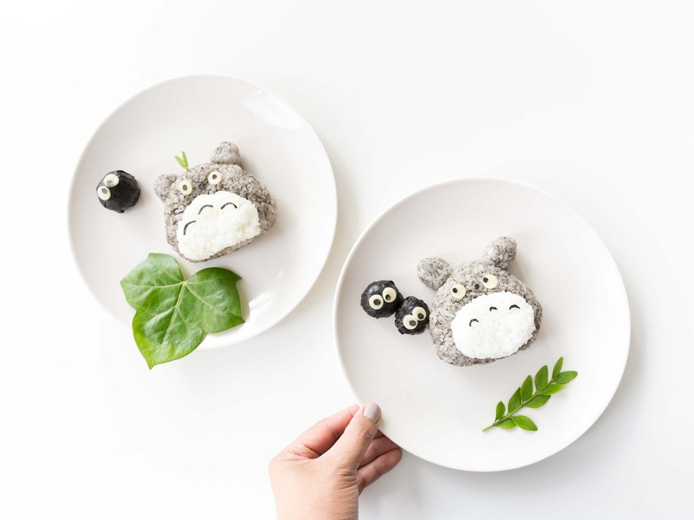 how_to_make_totoro_rice_cake_food_styling.jpg