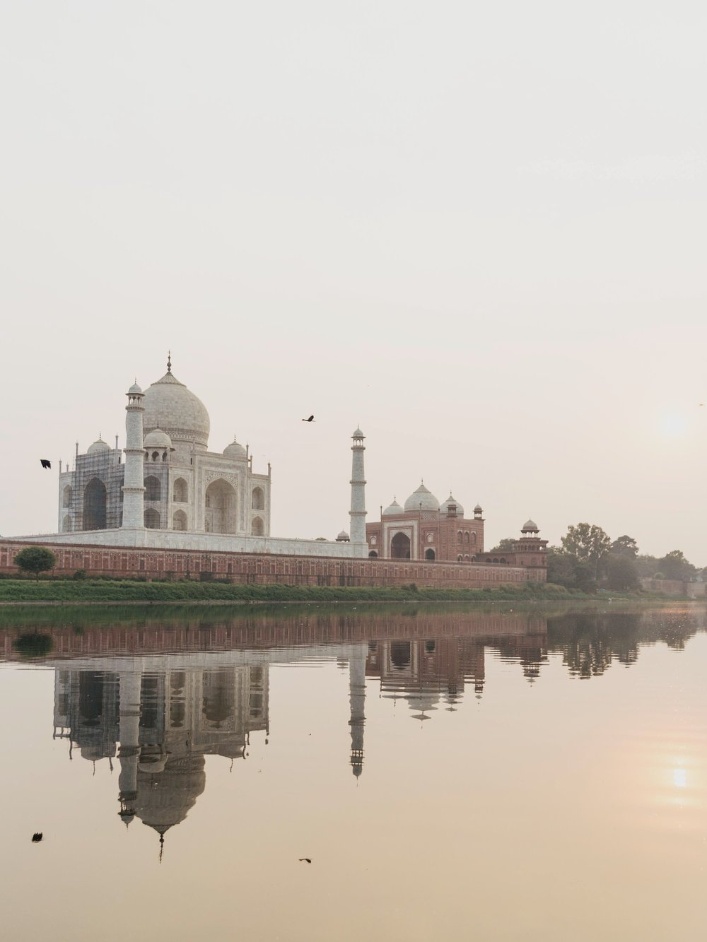 taj-mahal-agra-yamuna-river-travel