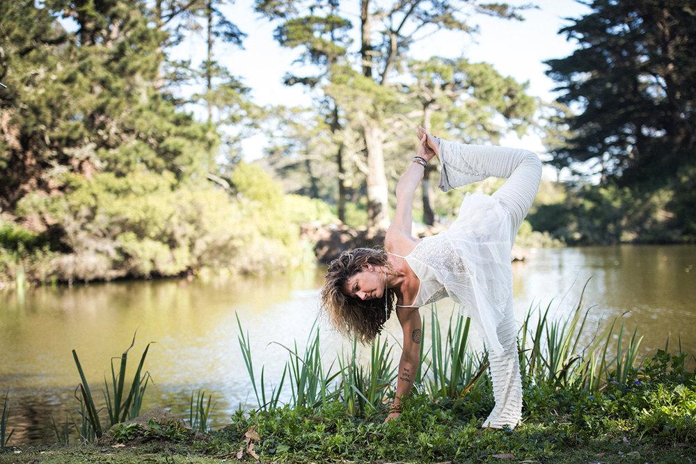 Dana Damara Yoga-4002-2.jpg