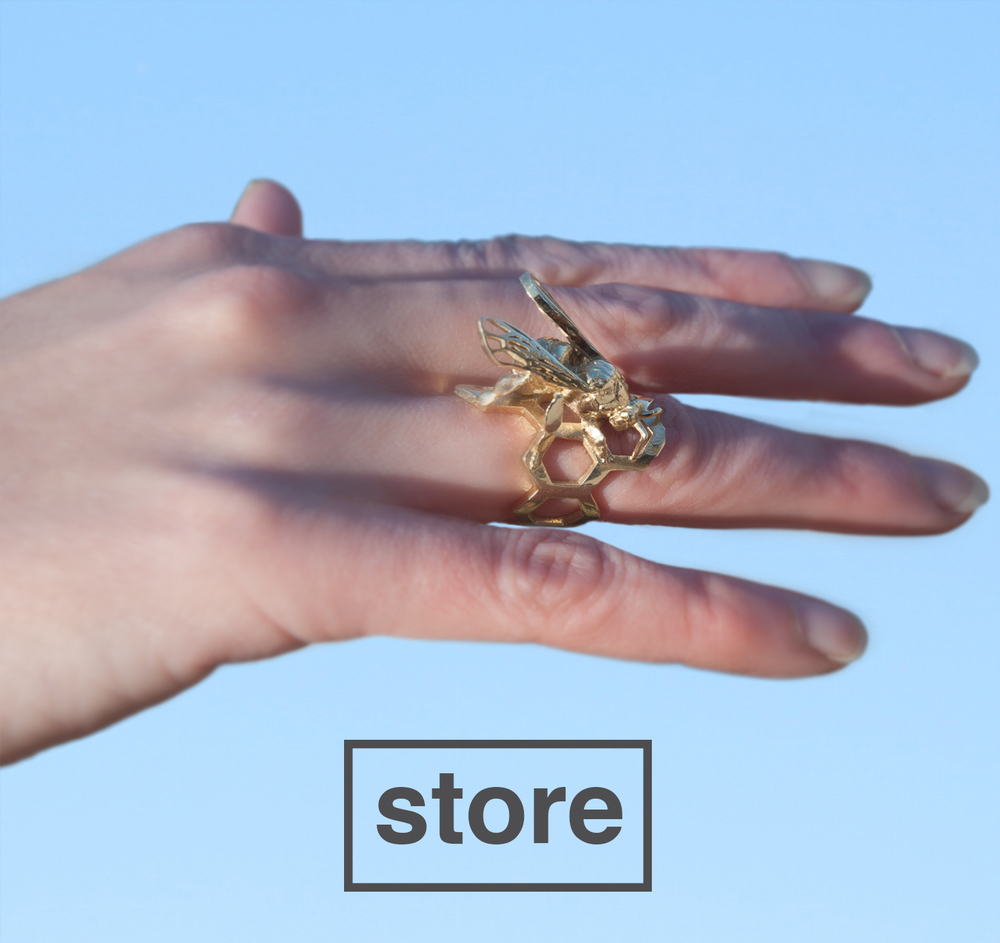 Brass_Bee_Ring_Hand_Model.jpg