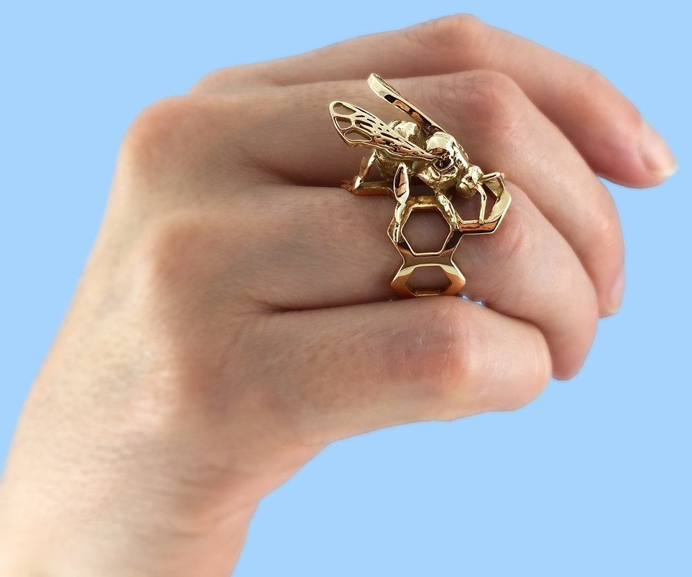 Western Honey Bee Ring in Polished Brass