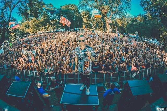 chicago is amazing!!! Big up @northcoastfest !! Unreal!! Pic by @chrisyoder