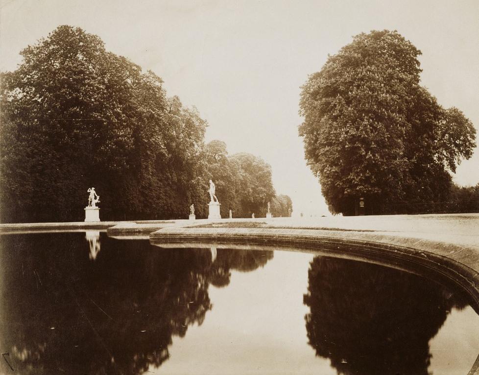 Eugène Atget, St. Cloud, 1915-1919, albumen silver print