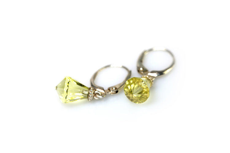 lemon of citrine ct a kt totalling earrings reserve no drop yellow gold approx kavels pair