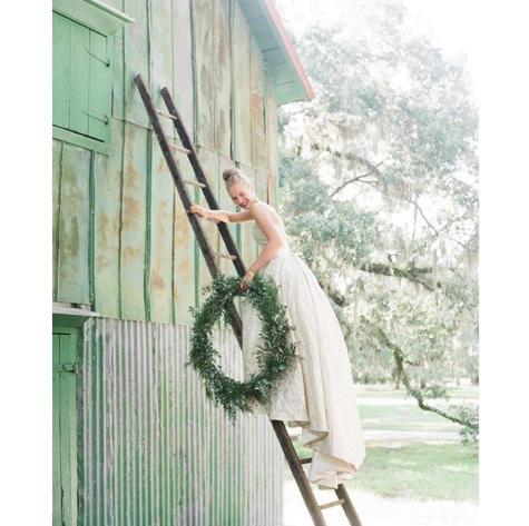 Photo via Charleston Weddings Magazine.
