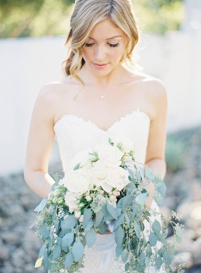 Photo via Grey Likes Weddings.