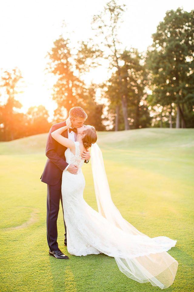 Photo via Erin Lindsey Images. Real Bride, Lauren, showcasing a gorgeous Toni Federici veil.