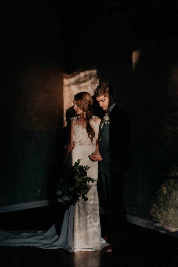 moody-modern-nashville-wedding-inspiration-at-riverwood-mansion-47-600x900.jpg